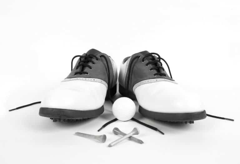 Benefits of wearing golf shoes